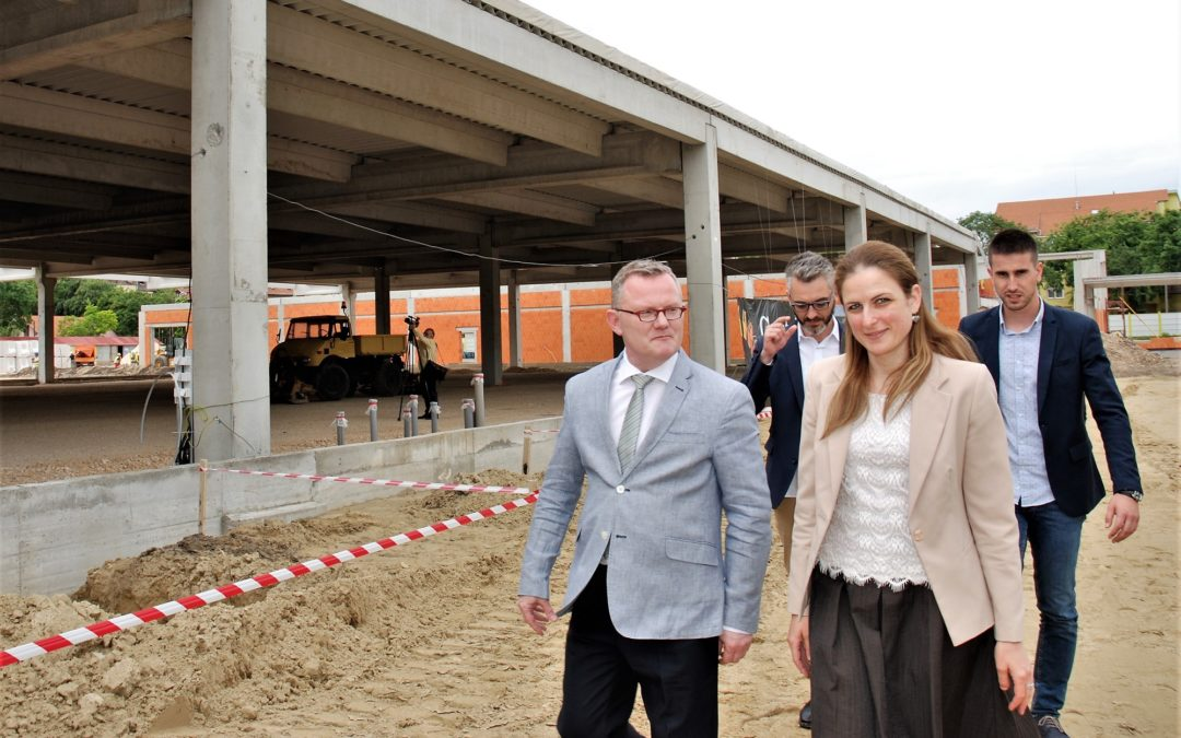 CAPITOL PARK SOMBOR ON TRACK TO OPEN